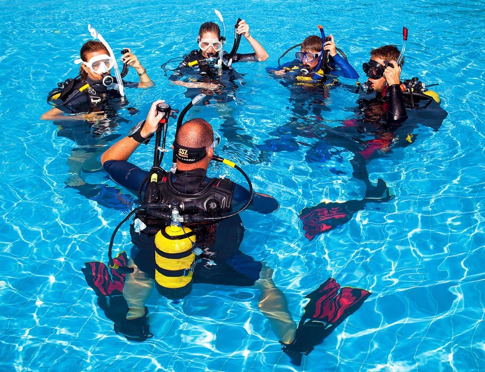 Open Water SCUBA Certification Class | Mac\'s Sport Inc.