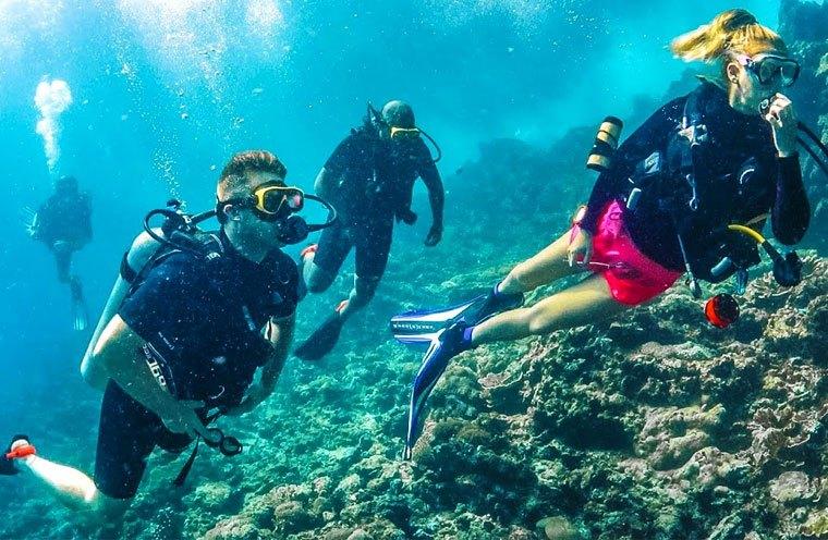 Mac's Sports Group Dive Trips