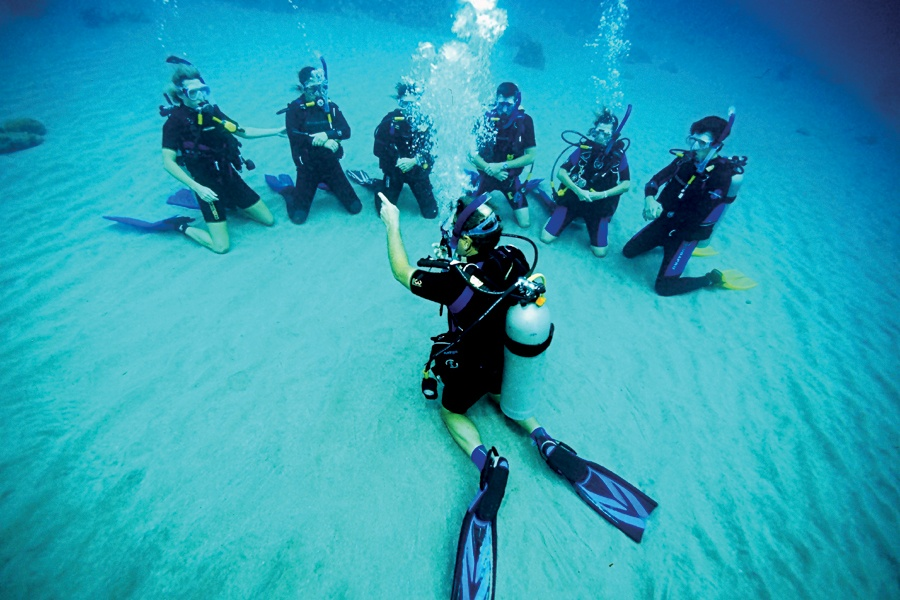 Open Water SCUBA Certification Class | Mac's Sport Inc.